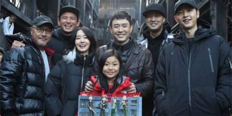 so ji sub and song joong ki new film battleship island starring song joong ki so ji