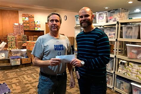 Bellevue Food Pantry by Bellevue Business Donates 1 000 To Renewal Food Bank