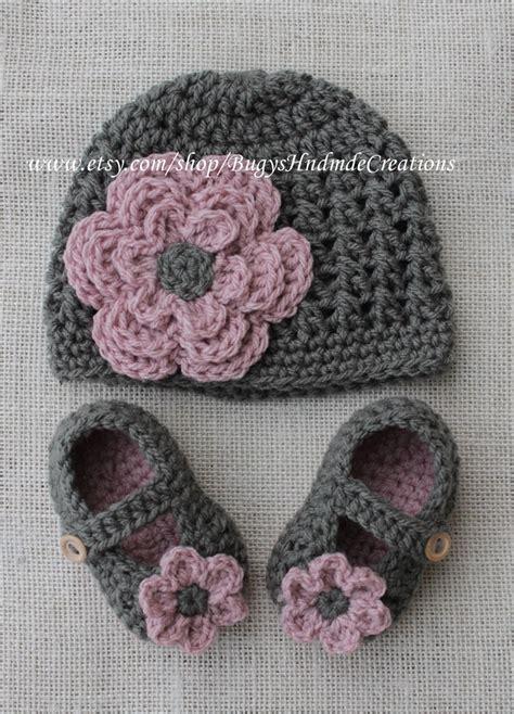 Crochet Set crochet baby hats cross stitch crochet hat and crochet baby shoe set dar