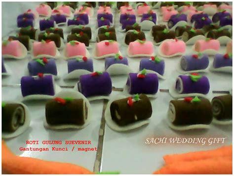 Hiasan Magnet Untuk Kulkas gift souvenir and cookies souvenir pernikahan buah