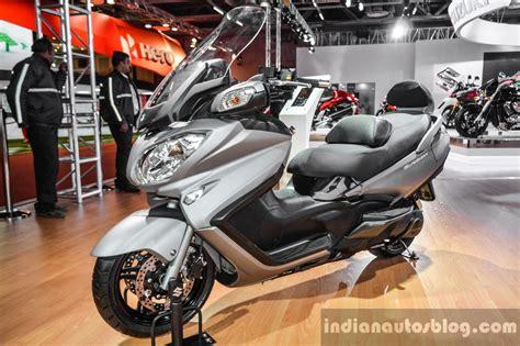 Suzuki Burgman 650 Tires by 2016 Suzuki Burgman 650 Executive Auto Expo 2016