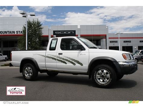 white nissan truck 1998 cloud white nissan frontier xe extended cab 4x4