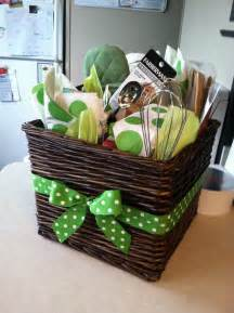 Kitchen Gifts Ideas by 17 Best Images About Gift Basket Ideas Shower Gifts