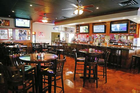 hi tops bar chicago 28 images two new apartment review marley s pizzeria remodel brings a more casual