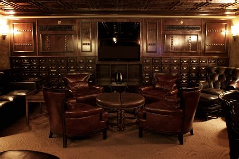 robusto room cigar etiquette 101 your local cigar lounge gentleman s gazette