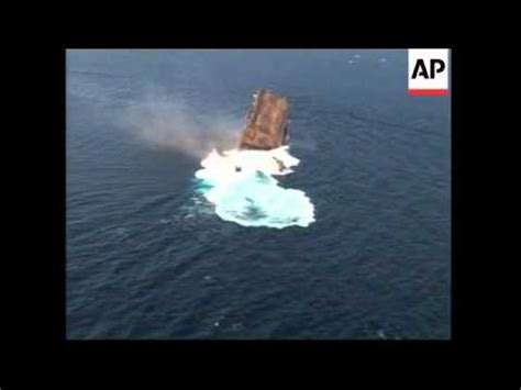 Why Do All Aircrfats Form Jro Stop In Mba by Aircraft Carrier Sunk To Form Barrier Reef