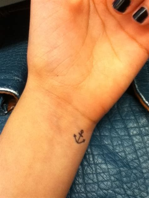 small anchor tattoo tattoos pinterest