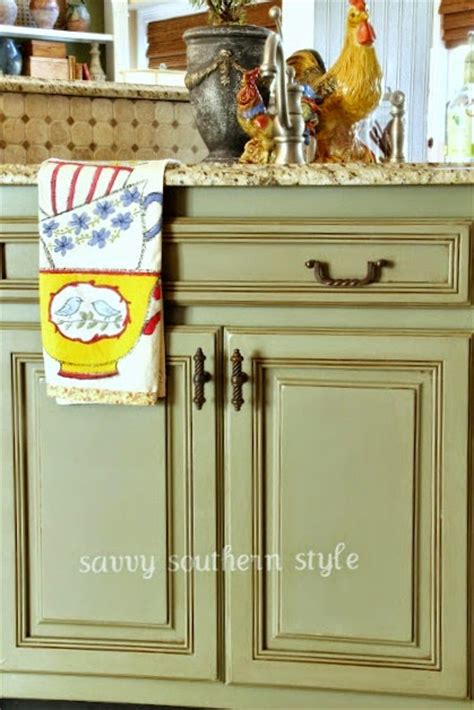 diy green chalk paint 40 chalk paint furniture ideas diy