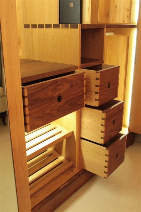 Dovetail Kitchen Cabinets 43 Best Images About Dovetail Joints On Armoires Joinery And Anatomy
