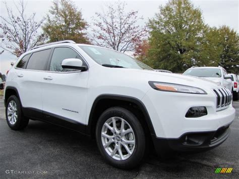 white jeep 2014 bright white 2014 jeep latitude exterior photo