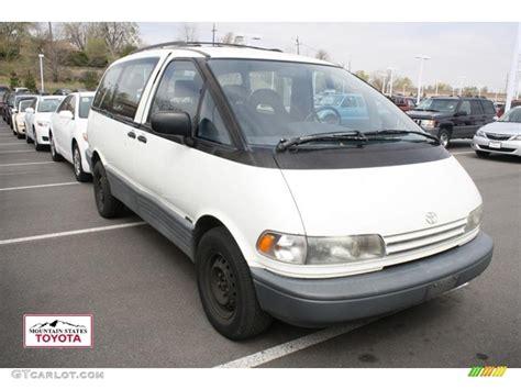 1992 Toyota Previa 1992 White Toyota Previa Deluxe All Trac Awd 48328199