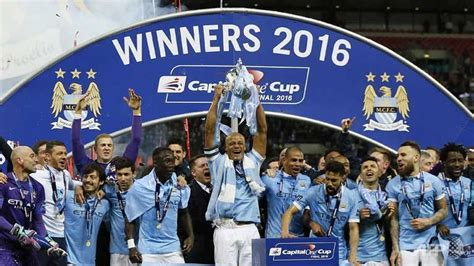 Football: Manchester City win League Cup final on