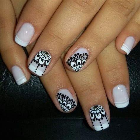 imagenes de uñas blancas y negras dise 241 os de u 241 as decoradas con mandalas