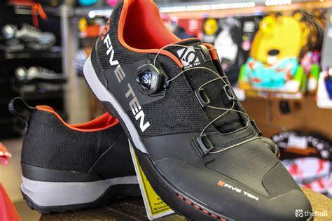 5 ten mountain bike shoes look five ten kestrel spd clipless mountain bike shoes