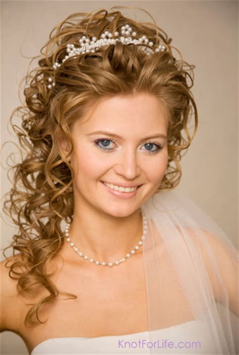 Wedding Hairstyles Curly With Veil by Wedding Hairstyles For Hair With Tiara And Veil
