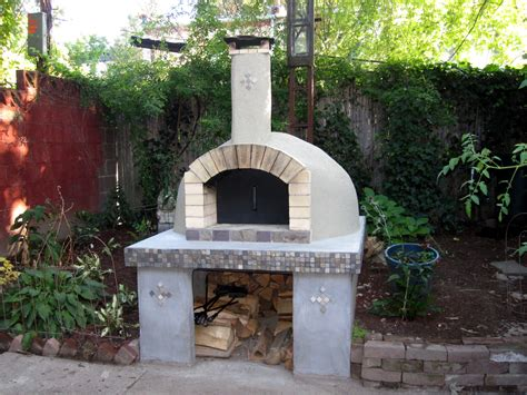 Pizza Oven by How To Build A Wood Fired Pizza Oven In Your Backyard