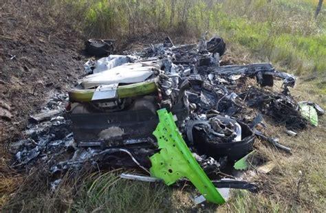 crashed lamborghini huracan vid 233 o le crash d une lamborghini huracan lanc 233 e 224 320 km h