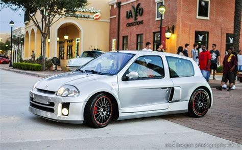 Renault Clio V6 For Sale Image 12