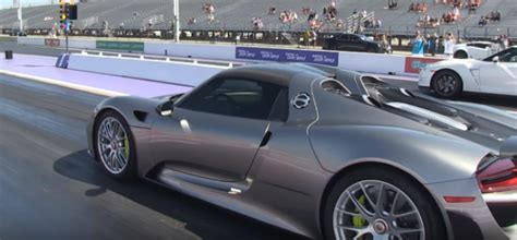 Porsche 911 Turbo Vs Gtr by Drag Race Porsche 918 Vs Gtr And 911 Turbo Dpccars