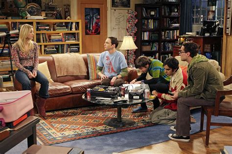 bang couch im 225 genes the big bang theory fotos serie the bing bang