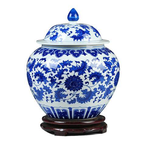guci klasik cina biru dan putih porselen antik koleksi