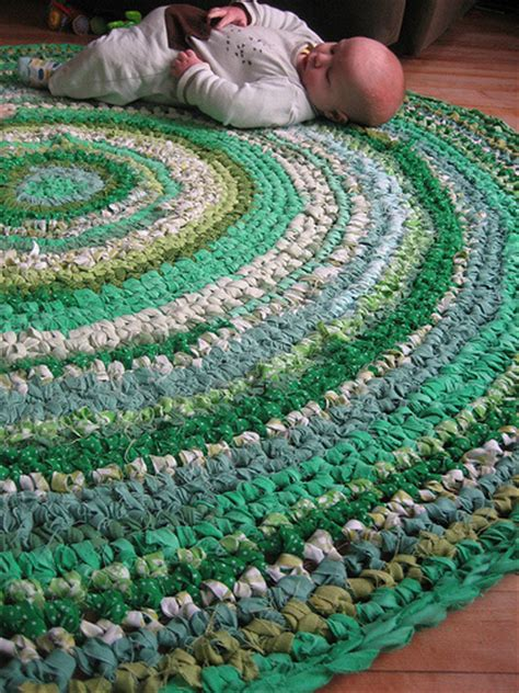 crochet fabric rug how to crochet a t shirt rug treasure crafts and quilting