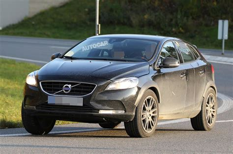 volvo xc  lead small car push autocar