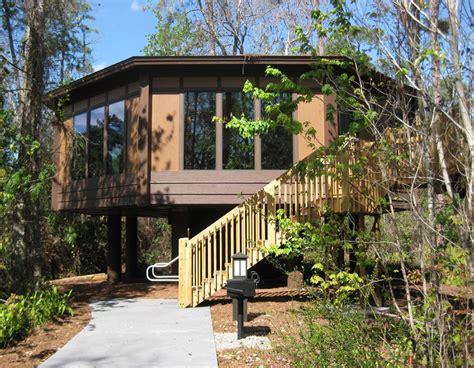 saratoga springs treehouse villas room tour walt disney world pedestal piling homes cbi kit homes