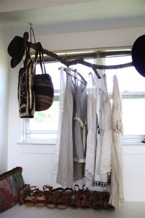 Modern Brach Clothing Rack Use Branches To Make Fantastic Diy Clothes Rack That Costs Next To Nothing Page 2 Of 2