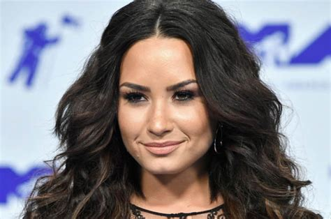 demi lovato sorry not sorry hairstyle top female country singers long black hairstyles demi