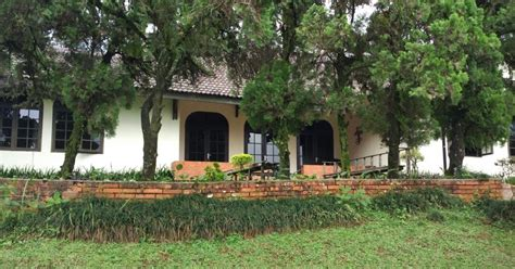Villa Langkat Cisarua Puncak villa cisarua puncak villa gadis