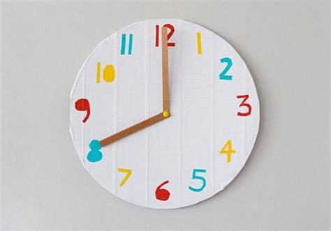ceas de perete din copilul ro