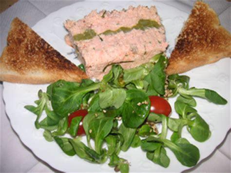 cuisiner des g駸iers frais couronne de saumon de crevettes 224 la ciboulette recette