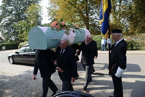 dame judi dench joins mourners  wittersham church