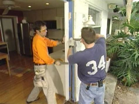Removing An Exterior Door How To Remove And Replace Exterior Doors How Tos Diy