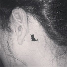 small cat tattoo behind ear black cat it s finally on my eeep