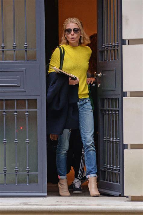 kelly ripa new home 2015 kelly ripa leaving her apartment in new york city