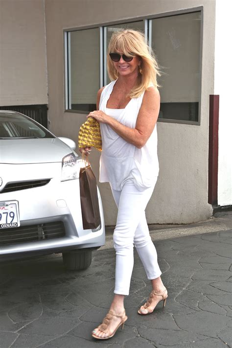 goldie hawn diet photos goldie hawn credits juicing and a simple diet to