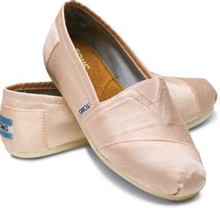 are toms shoes comfortable for walking 3 o clock walk currently obsessing over toms petal