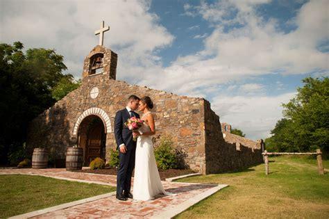 Wedding Venues Rock Ar by Sassafras Springs Vineyard Wedding Ceremony Reception