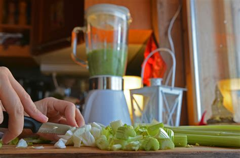 Celery Detox Smoothie Recipe by Cleansing Green Smoothie Recipe Another Detox Tip