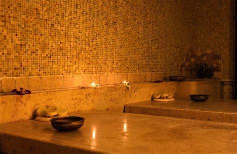 donne al bagno turco il rituale hammam hammam della rosa