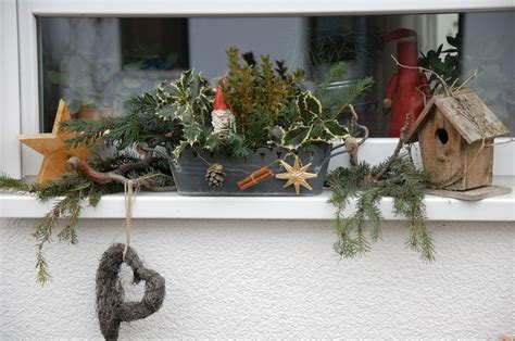 fensterbrett deko weihnachten die besten 17 ideen zu weihnachtsdeko aussen auf