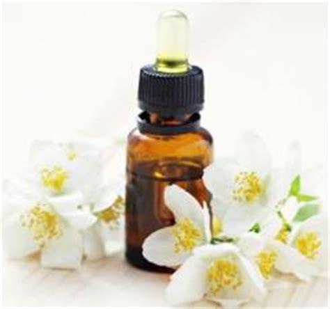 Minyak Atsiri Bunga Melati khasiat dan manfaat minyak bunga melati