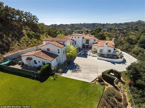 jennifer lopez house jennifer lopez sets her sights on 22 9m beverly hills pad