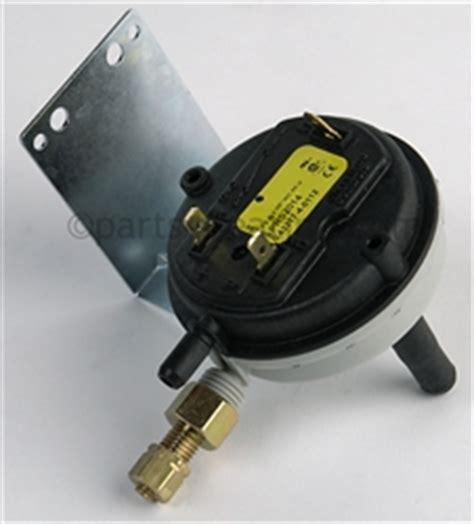 Xl Seri 334 parts4heating lochinvar prs2014 pressure switch nat after serial e05h00176040 c b w 1436