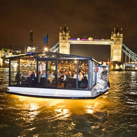 thames river cruise gift experience thames dinner cruise for two experience days thehut com