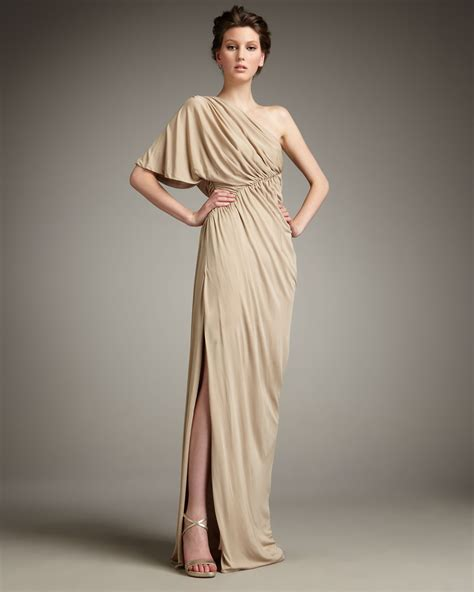 bariano draped shoulder gown robert rodriguez hannah drape shoulder gown in natural lyst