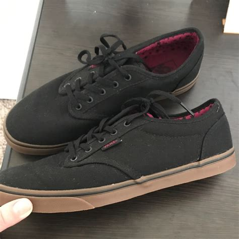 Vans Authentic Navy Sole Gum Premium Bnib Free Tas Sepatu 40 vans shoes vans black authentic gum sole shoes from tricia s closet on poshmark