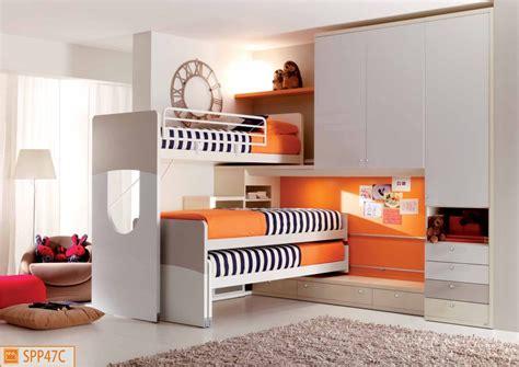 camerette letto cameretta a soppalco per tre ragazzi